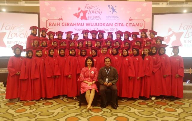 Perempuan Berprestasi Lanjutkan Pendidikan Tinggi Dengan Fair And Lovely Bintang Beasiswa.
