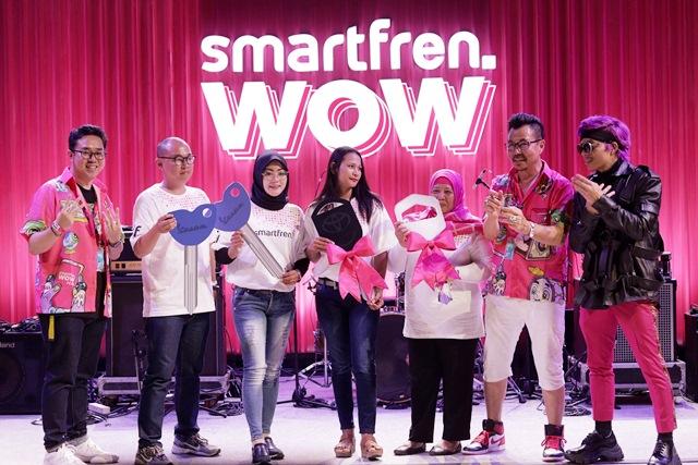 Para Pemenang Undian Smartfren WOW Tahap Kedua