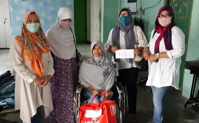 Indahnya Berbagi, Alumni SMP N 7 Surakarta, Bagikan Paket Sembako Ditengah Pandemi Covid-19