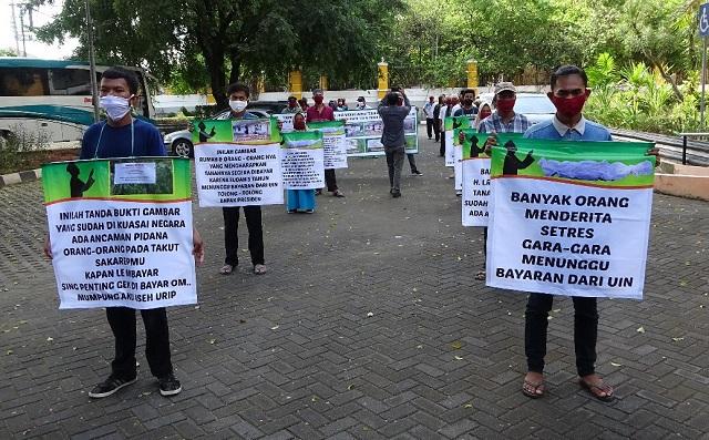 Warga Desa Guwosari Pajangan Bantul, Unjuk Aspirasi Di Kampus UIN Sunan Kalijaga Yogyakarta