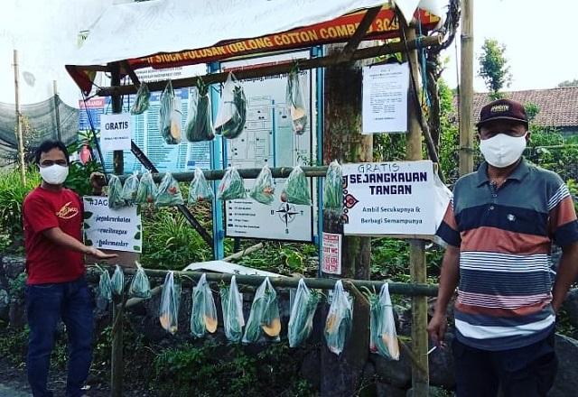 Komunitas Sejangkauantangan Indonesia Berbagi Pangan Untuk Kemanusiaan