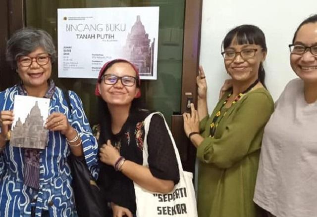 Buku Puisi Kepada Paitua, Diluncurkan Di Sastra Bulan Purnama Tembi Yogyakarta Via YouTube, Senin, 6 Juli 2020