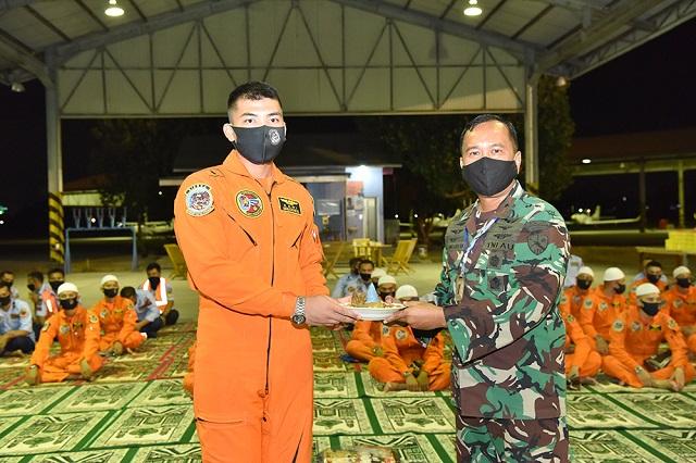 Latihan Terbang Malam Sekbang Angkatan 98 dan Terbang Konversi Profisiensi Resmi Ditutup