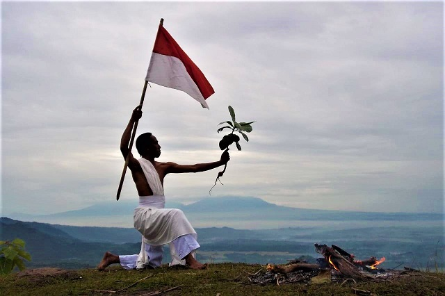 Para Perupa Mendokumentasikan Kembul Sewu Dulur Saparan Rebo Pungkasan Bendung Kayangan Kulon Progo, Yogyakarta