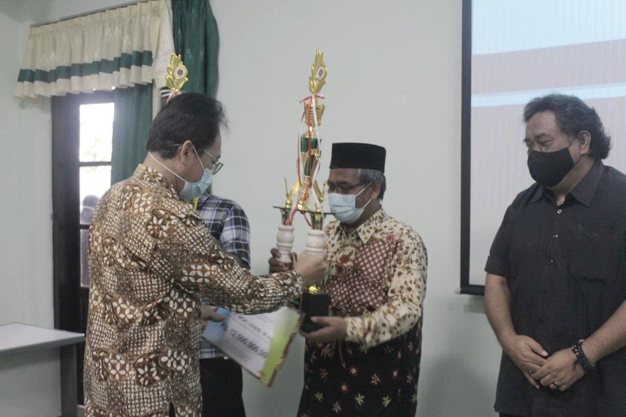 Kyai Habib Syakur, Dosen UIN Sunan Kalijaga Yogyakarta, Raih Penghargaan Kalpataru 2020