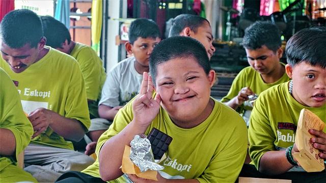 Cokelat Monggo Jogja Berbagi, Sebatang Cokelat Untuk Senyum Mereka