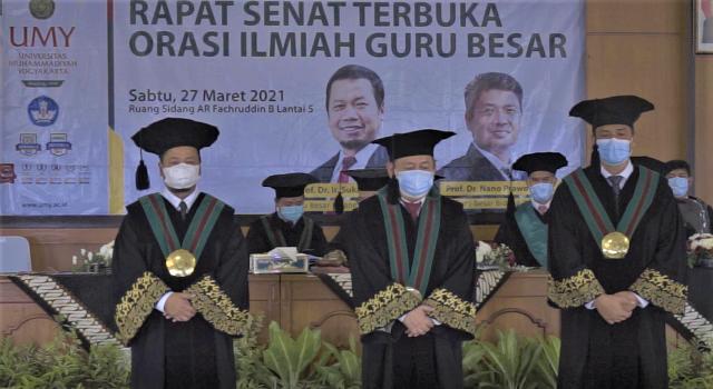Kontribusi Pengembangan Riset di Era Digital, Dua Wakil Rektor UMY Dikukuhkan Sebagai Guru Besar
