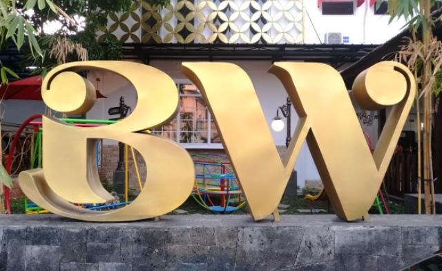 Grand Opening BW, Bakpia Dan Batik Wong Jogja, Dimeriahkan Fesyen Cakrawala Jawa Dwipa