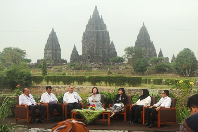Etalase Budaya Jawa Di Taman Arkeologi Borobudur Prambanan