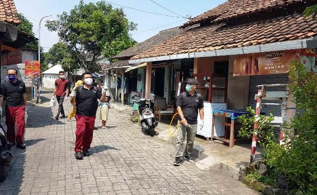 The Alana Yogyakarta Lakukan Penyemprotan Disinfektan Di Perkampungan Sekitar Hotel