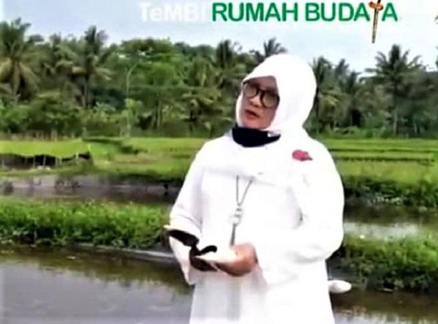 Poetry Reading From Home Sastra Bulan Purnama Di Tepi Kolam Ikan