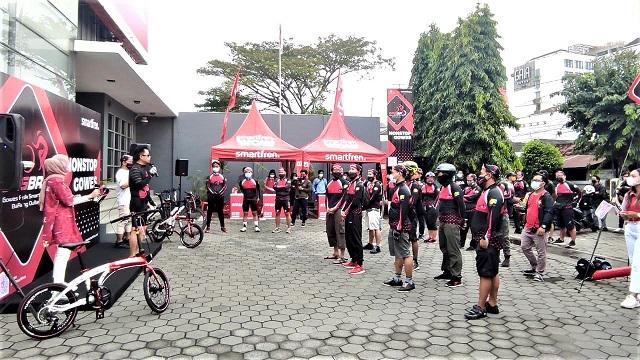 Smartfren Kampanyekan Hidup Sehat Bersama Mitra Outlet Di Yogyakarta