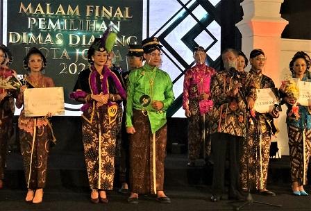 Muhammad Rafif TS  dan Rr Bita Saraswati Dinobatkan Sebagai Dimas Diajeng Kota Jogja 2021