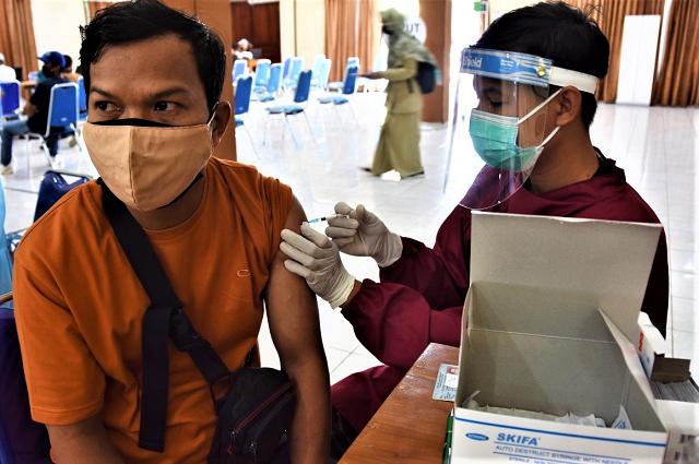 Senin, 6 September 2021, Lanud Adisutjipto Tuntaskan 669 Peserta Vaksin Tahap 2